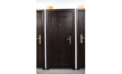 Блиндирани и метални врати