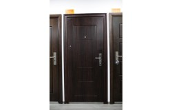 Блиндирани и метални врати (16)